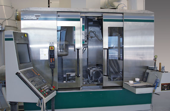 CNC-gesteuerte Maschine der BCE Special Ceramics GmbH - Keramik GmbH